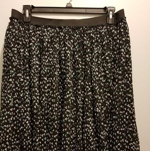 Black and teal torrid 1x skirt, with wide band